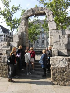 Römerbogen am Kölner Dom