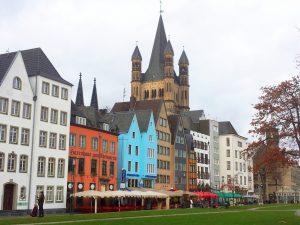 Kölner Martinsviertel mit Goß St. Martin